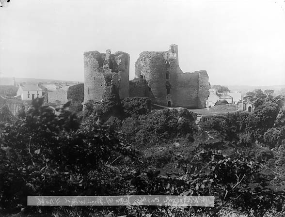 [A view of Cilgerran castle from the wood]