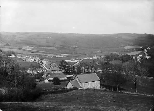 [A view of Llansanffraid Glynceiriog from Llwyn-copog]