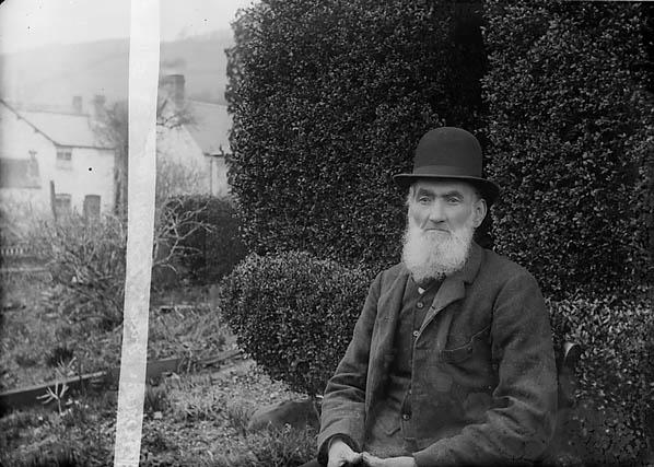 [John Davies (Einion Ddu, 1819-1906)]