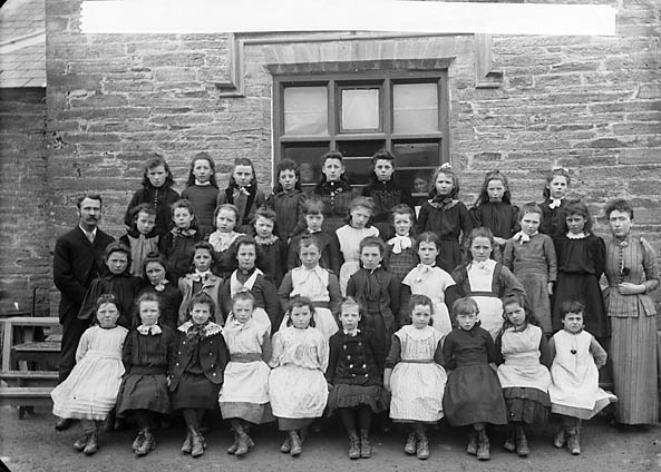 Y [Girls, Newcastle Emlyn school (1892)]