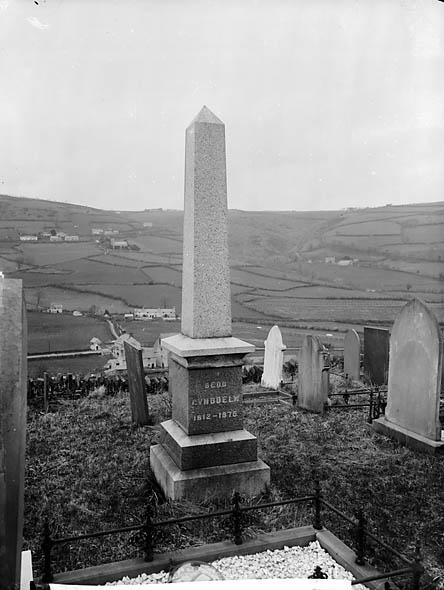 [Grave of Robert Ellis (Cynddelw), Llansanffraid Glyn Ceiriog]