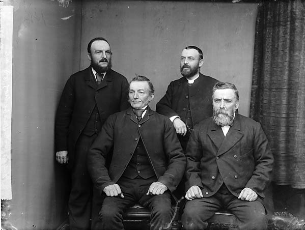 [Elders of Peniel Chapel (CM), Llanbedrog (1896)]