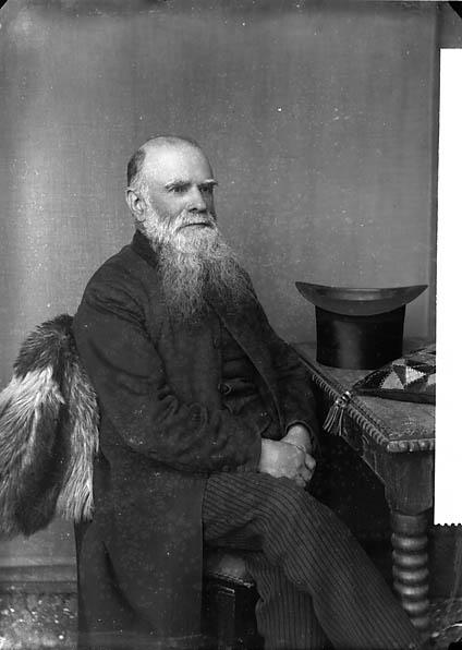 [Revd Evan Phillips (1829-1912), Castellnewydd Emlyn (CM)]