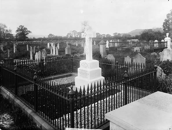 [Graves of George and Hannah Jones, Ystrad House, Llandingad]