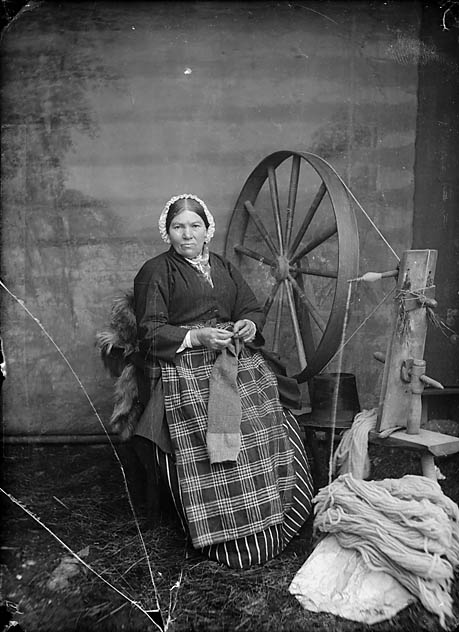 [Woman with spinning wheel]