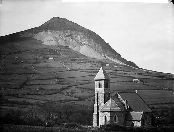 [The church and quarry, Trefor, Llanaelhaearn]