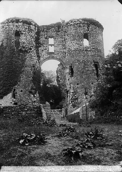 [Llawhaden castle]
