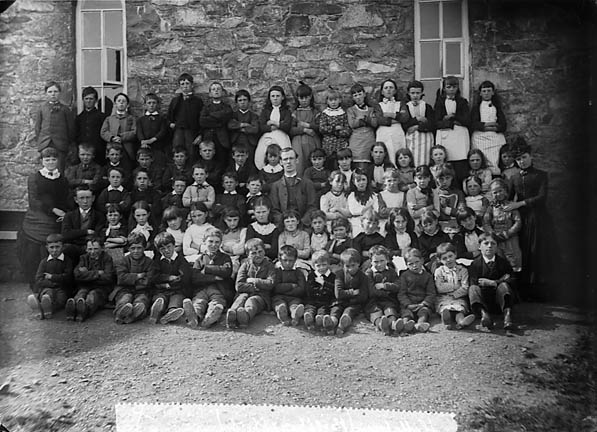 [Big boys and girls, Llithfaen school]