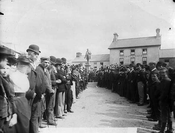 [Unveiling the Henry Richard monument, Tregaron]