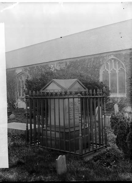 [Thomas Lloyd's monument, Abergele]
