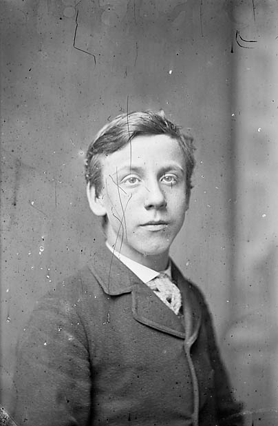 [William Thelwall Thomas (1865-1927) when a young man]