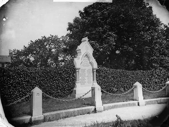 [Memorial to the dead of the Abergele railway accident, 1868]