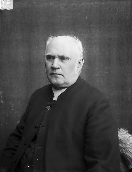 [Revd Nathaniel Jones (Cynhafal) (1832-1905)]
