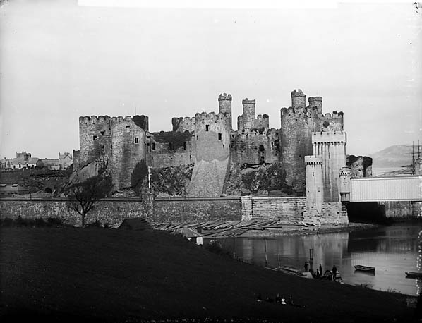 [A view of Conwy castle from Benarth Lodge]