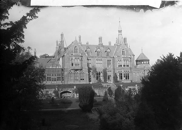 [Hafodunos Hall, Llangernyw (1895)]