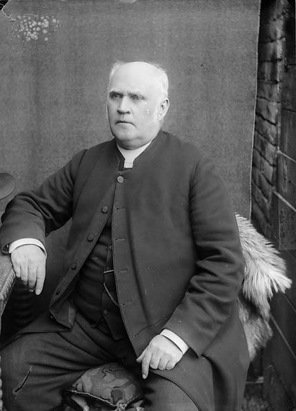 [Revd Nathaniel Cynhafal Jones (1832-1905)]