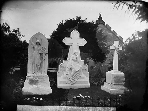 [Grave of the Marquis of Londonderry and family, Machynlleth]