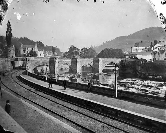 [The bridge and railway, Llangollen]