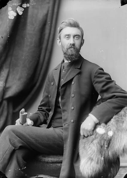 [Revd John Owen Williams (Pedrog, 1853-1932) (Cong)]