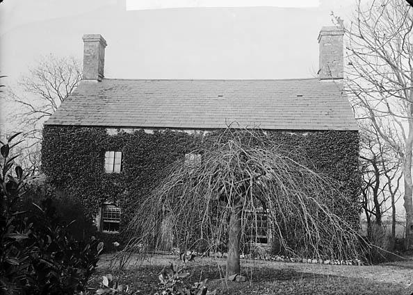 [Plas Du, Llanarmon (Caern) home of John Owen (1564?-1628?)]