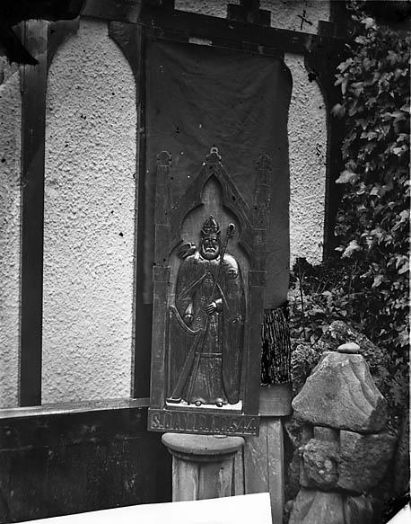 [Effigy of St David, Plas Newydd, Llangollen]