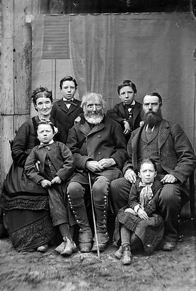 [Jones family, Pentre Trewyn (1878)]