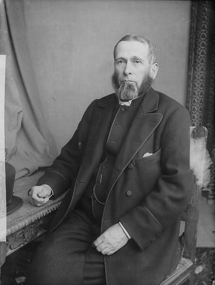 [Revd William Thomas (1832-1911), Whitland]