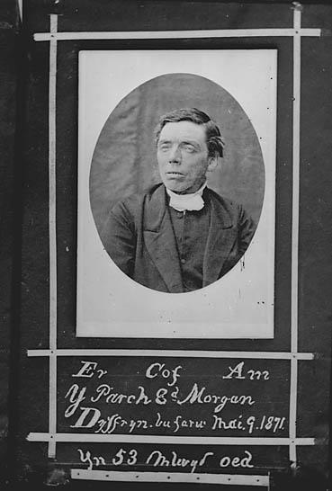 Er cof am y Parch Ed Morgan, Dyffryn