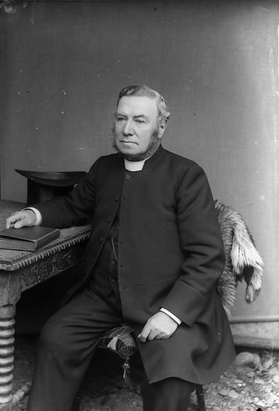 [(Revd Thomas Jeffrey Jones, vicar of Llanfair Caereinion?)]
