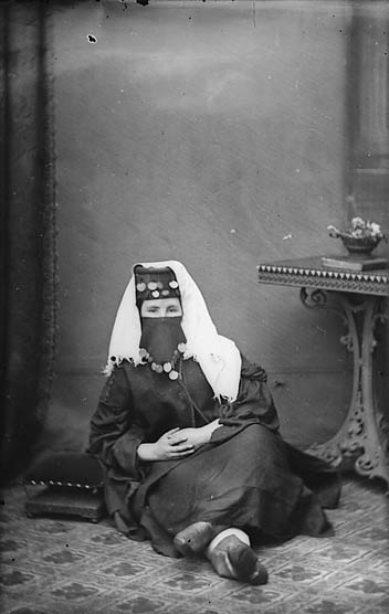 [Miss Margaret Jones (Y Gymraes o Gaanan, -1902)]