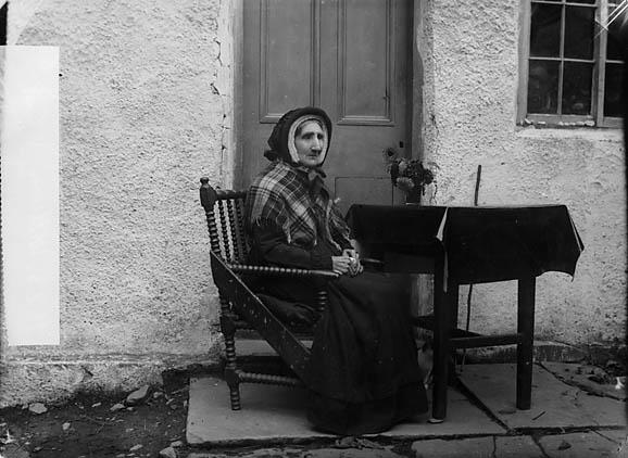 [An old woman, Llansannan (Williams)]