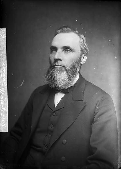 [Revd Owen Davies, Caernarfon (1840-1929)]