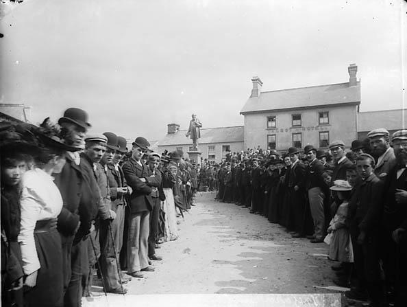 [Unveiling of the Henry Richard monument, Tregaron]