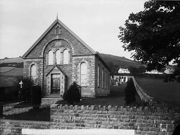 [Llwynrhydowen new chapel (Unit), built 1879]