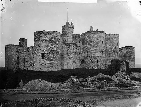 [Harlech castle]