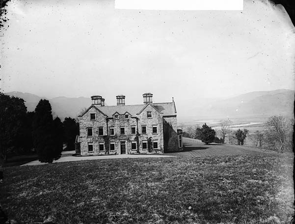 [Plas Hengwrt, Llanelltud looking towards Barmouth]