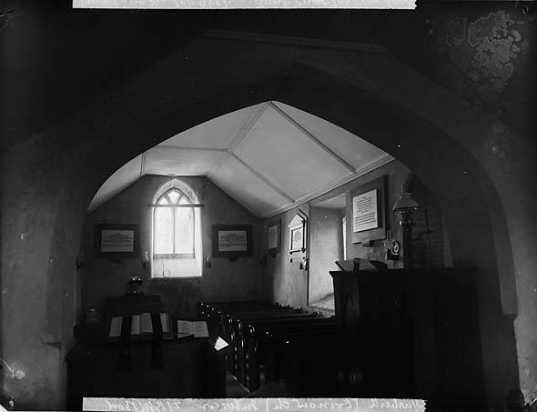 Y [Interior of the church, Crinow]