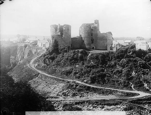 [A view of Cilgerran castle from the quarry]
