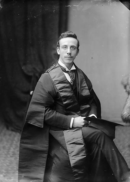 [Dr William Thelwall Thomas, FRCS (1865-1927)]