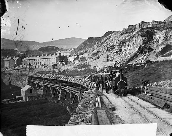 "[Bridge and ""tren bach"", Ffestiniog]"