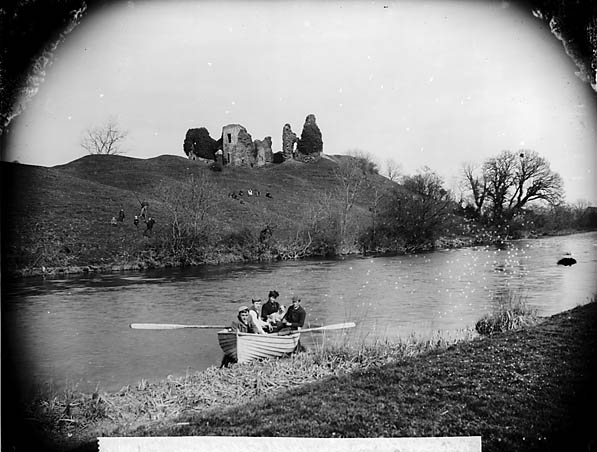[The castle and Afon Teifi, Newcastle Emlyn]