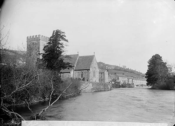 [The church on the banks of Afon Teifi, Llandysul (Cer)]