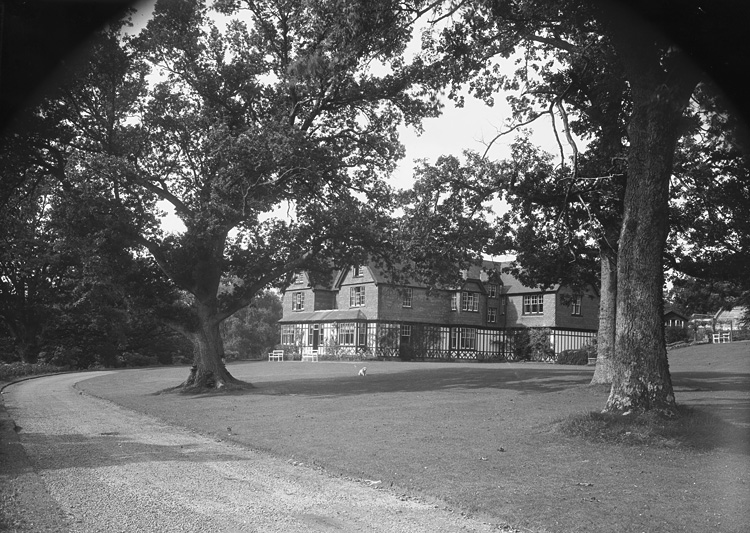 [Caerwnon House, Cwmbach, Builth Wells]