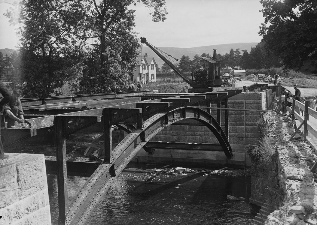 [Construction of the new Irfon bridge]