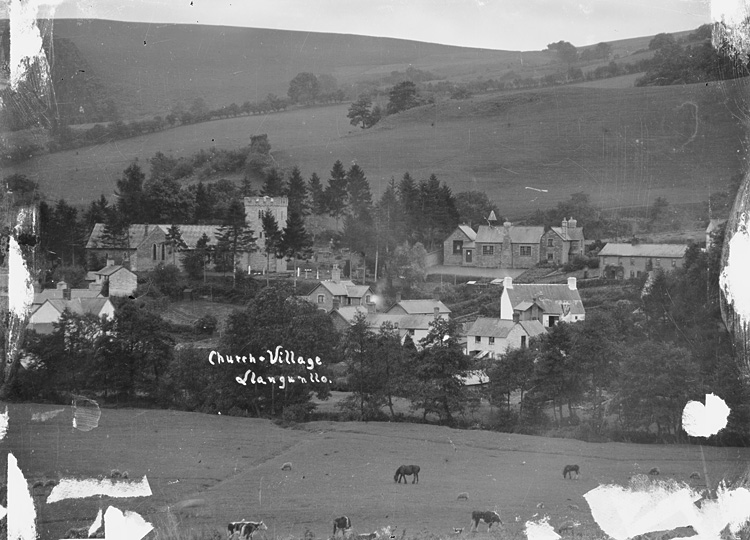 Church villages, Llangunllo