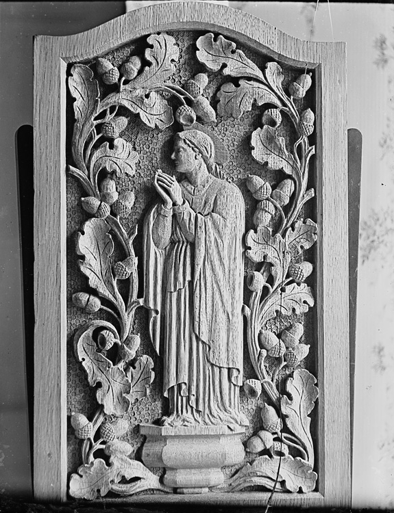 [Wood carving of the Virgin Mary]