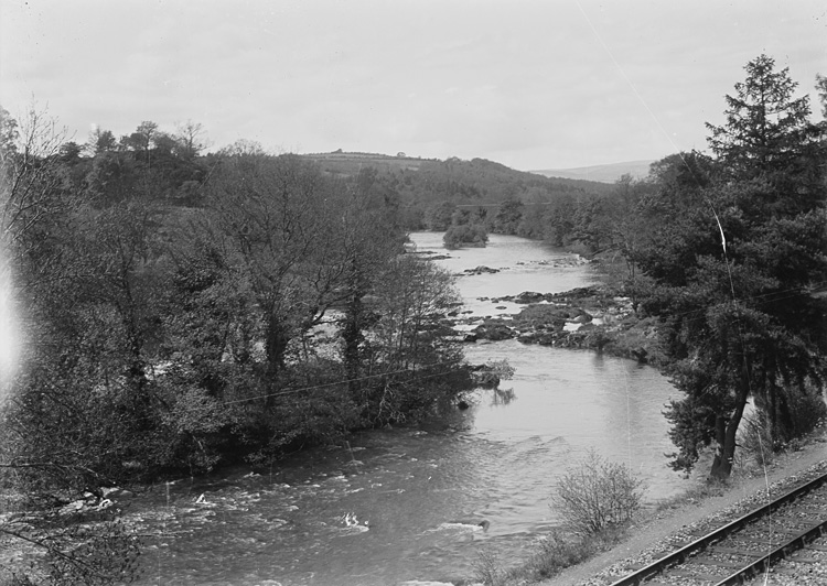 [Wye river between Builth Wells and Builth Road station]