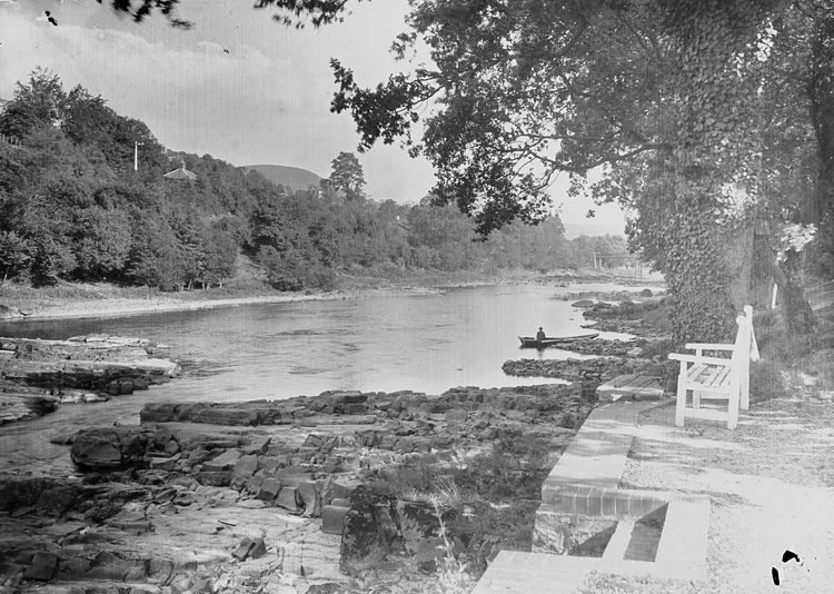 [The river near Pwll-y-faedda House, Erwood]