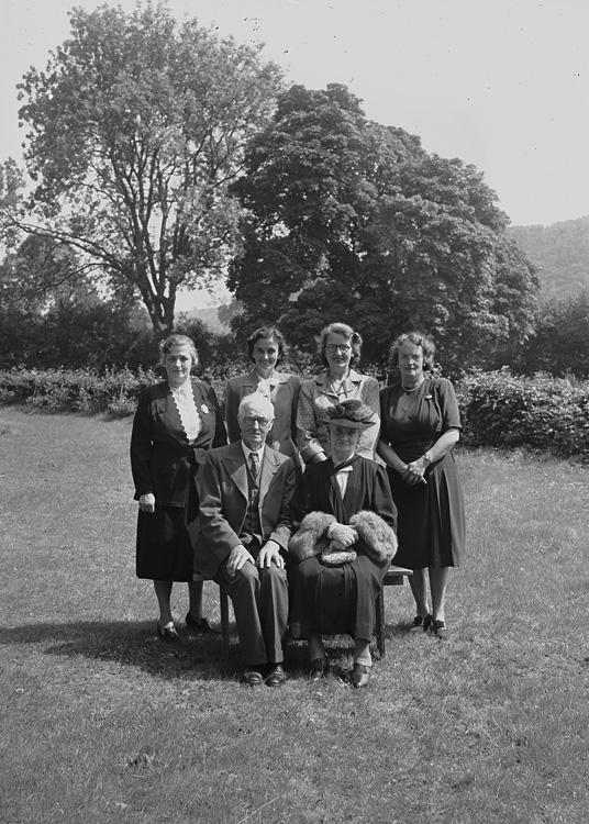 [Group photograph]