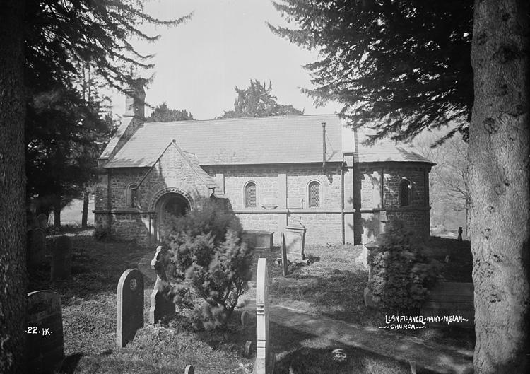 Llanfihangel-Nant-Melan church